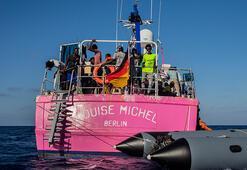 Banksynin Akdenizde mahsur kalan yardım gemisindeki göçmenlerin tümü kurtarıldı