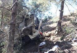 Kastamonuda düğünden dönen aile kaza yaptı 2 ölü, 4 yaralı
