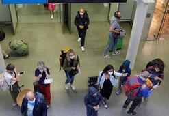 Elektrik arızası binlerce yolcuyu yüksek hızlı trende sabahlattı