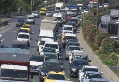 İstanbulda trafik durma noktasına geldi