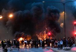 İsveçte mescidin önüne yakılmış Kuran-ı Kerim sayfaları ve domuz pastırması bırakıldı