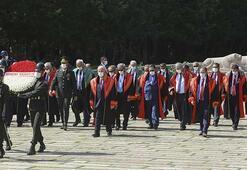 Yargıtay üyelerinden adli yıl açılışı dolayısıyla Anıtkabire ziyaret