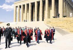 Yargıtay üyelerinden Anıtkabir'e ziyaret