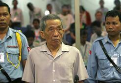 Kamboçyada Kızıl Kmerler cezaevi müdürü Yoldaş Duch hayatını kaybetti