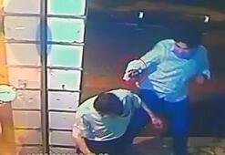 Eli kız arkadaşına dokunan yolcuyu, tabanca kabzasıyla böyle dövdü