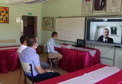 Bakan Ziya Selçuk, Afyonkarahisardaki bir okulda düzenlenen seminere, telekonferansla bağlandı