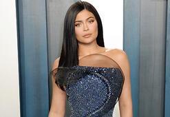 Kylie Jenner zirvede