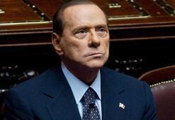 Eski İtalya Başbakanı Berlusconi corona virüse yakalandı