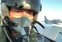 Milli Savunma Bakanı Hulusi Akar Egede uçuş gerçekleştirdi