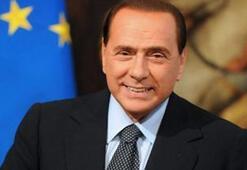 Berlusconi'nin kız arkadaşı ve çocuklarının koronavirüs testi de pozitif çıktı
