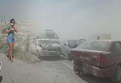 Konyada kum fırtınası 10 araç birbirine girdi