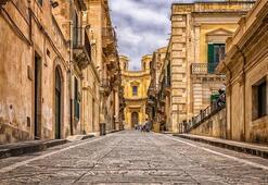 İtalya Hakkında Bilgiler; İtalya Bayrağı Anlamı, 2020 Nüfusu, Başkenti, Para Birimi Ve Saat Farkı