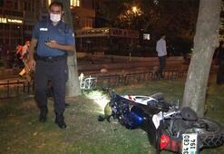 Polisin dur ihtarına uymayan silahlı motosikletli kaçarken kaza yaptı