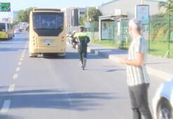 Bakırköyde fazla yolcu taşıyan minibüsçü polisten kaçtı