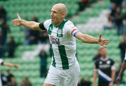 Futbola geri dönen Robbenden hazırlık maçında şık gol...