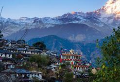 Nepal Hakkında Bilgiler; Nepal Bayrağı Anlamı, 2020 Nüfusu, Başkenti, Para Birimi Ve Saat Farkı