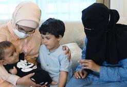 Suriyeli Muhammed bebek, Emine Erdoğanın misafiri oldu  Protez kol ve bacaklarına kavuşacak