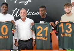 Alanyaspor üç futbolcuyla sözleşme imzaladı