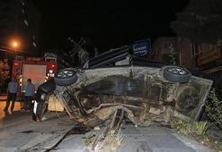 Ankarada otomobil elektrik direğine çarptı