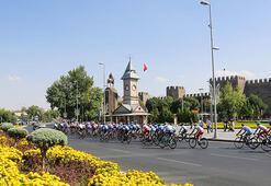 Bisikletçiler pedallarını Kayseriden Erciyese çevirdi