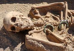 Vanda takılarıyla gömülmüş Urartulu kadın mezarı ortaya çıkarıldı