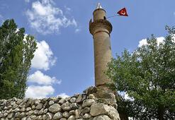 40 yıldır yalnız minare