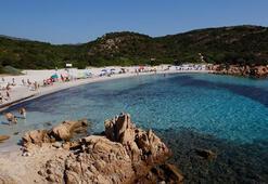 Plajdan kum çalan turiste 9 bin lira ceza