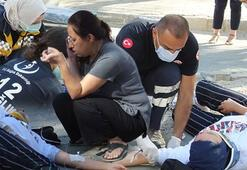 Otomobille çarpışan motosikletteki 2 genç kız yaralandı