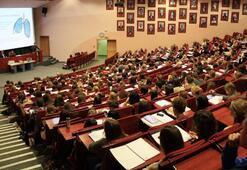 Üniversiteler açılacak mı Üniversiteler ne zaman açılacak 2020