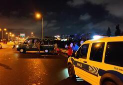 TEMde yolun karşısına geçmeye çalışan 2 kişiye otomobil çarptı: 1 ölü 1 yaralı