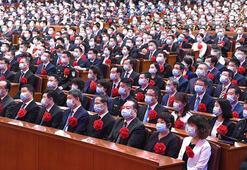3 bin kişilik pandemi ile mücadele toplantısı: Sosyal mesafe sıfır