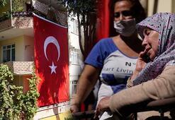 Bakan Akar, İdlip şehidi Tuğgeneral Erdoğanın Çanakkaledeki annesi Esma Erdoğana başsağlığı diledi