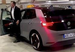 Volkswagenin test sürüşünü Elon Musk yaptı