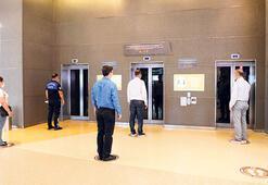 AVMde asansöre yeni ayar