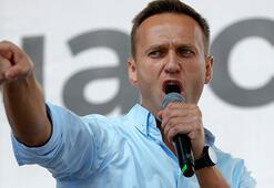 Zehirlenen Navalny, hastanede ziyaretçi kabul etmeye başladı
