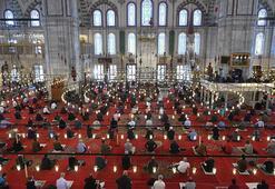 Cuma hutbesinde din istismarcılığı uyarısı