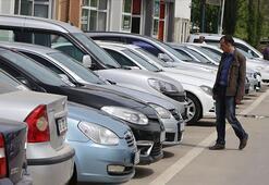 İkinci el araç almaya gelen vatandaşlar fiyatlara tepkili
