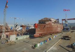 6 bin tonluk iki gemi, 1600 araç lastiği kullanılarak suya indirildi