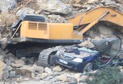 Bursada heyelan; otomobilinin üzerine kaya düşen bekçi öldü