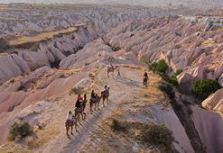 Kapadokyanın masalsı manzarası eşliğinde safari