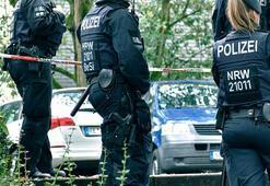 Almanyada ırkçı polisler açığa alındı