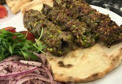 Damak çatlatan lezzet: Antep fıstığı ve kaburga etinden yapılıyor
