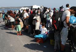 Moria göçmenleri geçici kampa taşındı