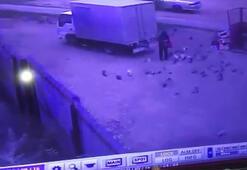Geri geri giderken güvercin besleyen adamı ezdi