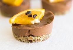 Fırında pişirmeye gerek yok: Çikolatalı portakallı mini mus kek