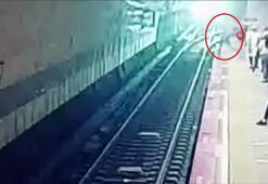 Metro istasyonunda korkunç anların görüntüleri ortaya çıktı
