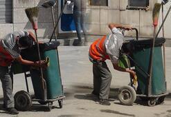 Çöp arabasını temizleyen temizlik işçisi sosyal medyada ilgi odağı oldu