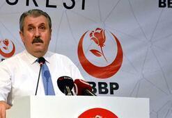 Mustafa Desticiden skandal manşete tepki: Kendilerine iade ediyorum