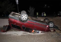 Refüje çarpan otomobil takla attı