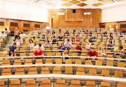 Üniversiteler ne zaman açılacak Üniversitelerde yüz yüze mi uzaktan eğitim mi yapılacak İşte son durum...
